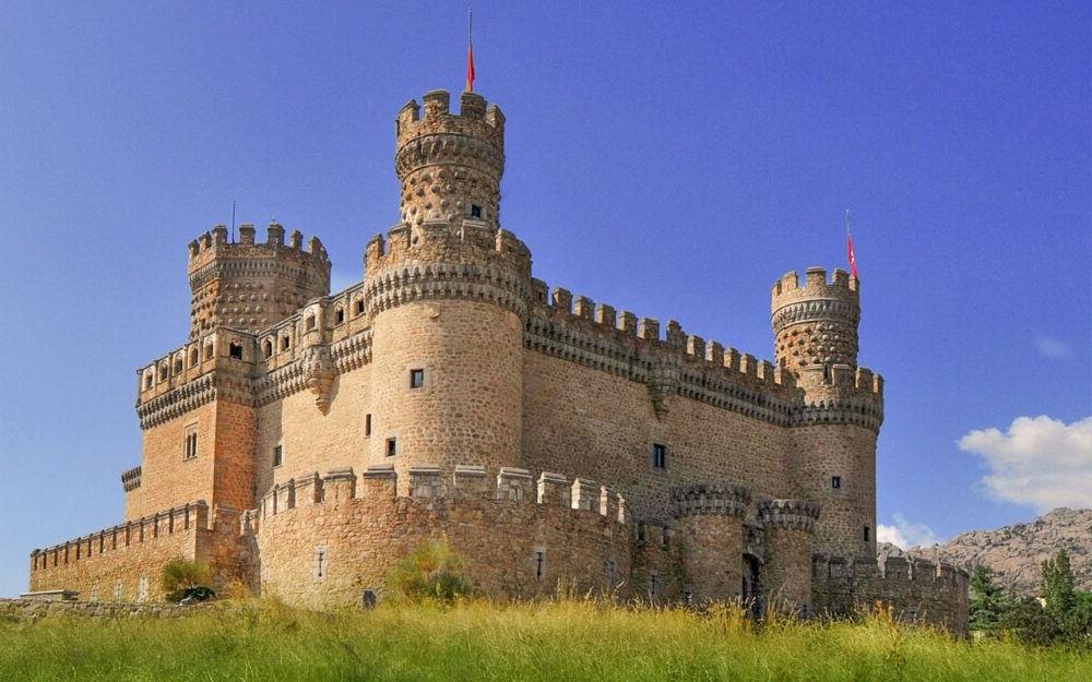 Turisme pel Castell Nou de Manzanares el Real Espanya