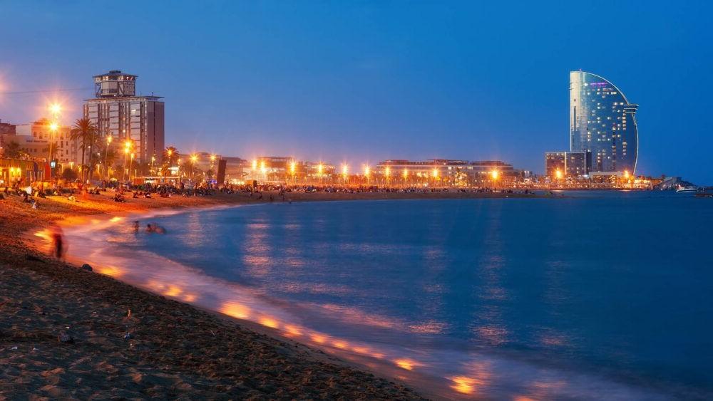 Destinació Sortida nocturna a la Barceloneta
