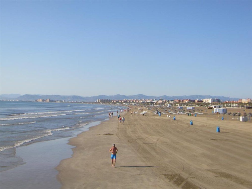 Malva-rosa Beach